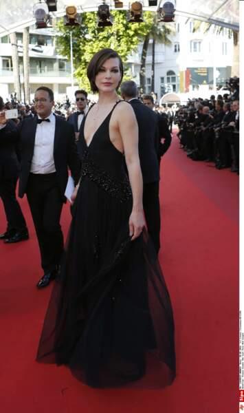 Milla Jovovich pose pour les photographes