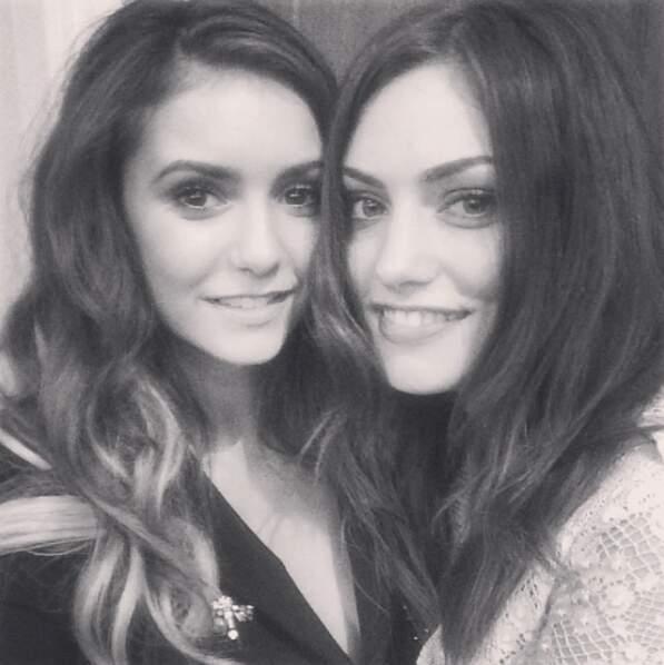 Elle est très copine avec Nina Dobrev, l'inoubliable interprète d'Elena dans la série mère.