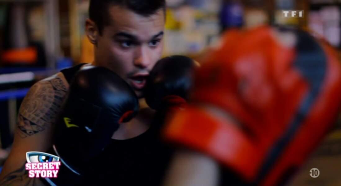 Mickaël est aussi boxeur. Quand on vous dit que ça risque de cogner :-/