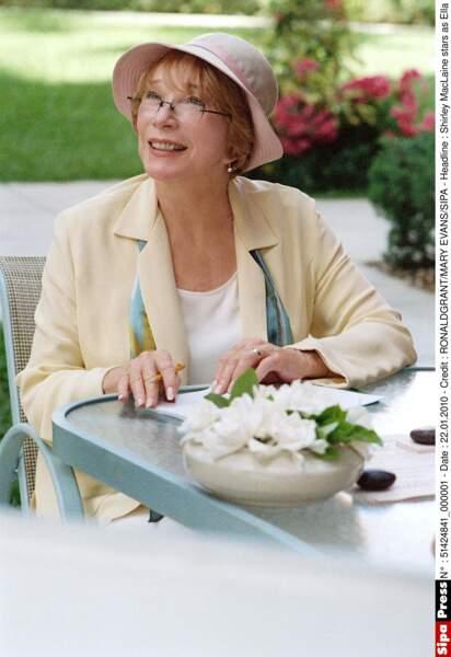 Shirley MacLaine, adorable retraitée visitée par ses petites filles dans In her Shoes (2005)