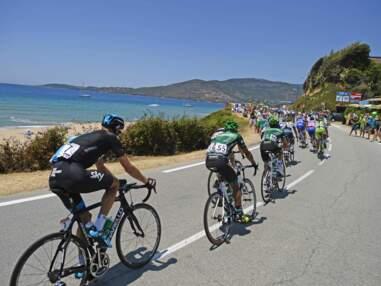 Tour de France 2013 : Chris Froome boit du champagne, les Français en difficulté...