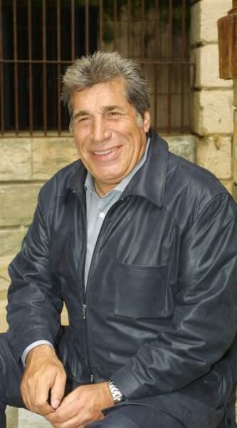 A partir de 2000, Jean-Pierre Castaldi remplace Patrice Laffont