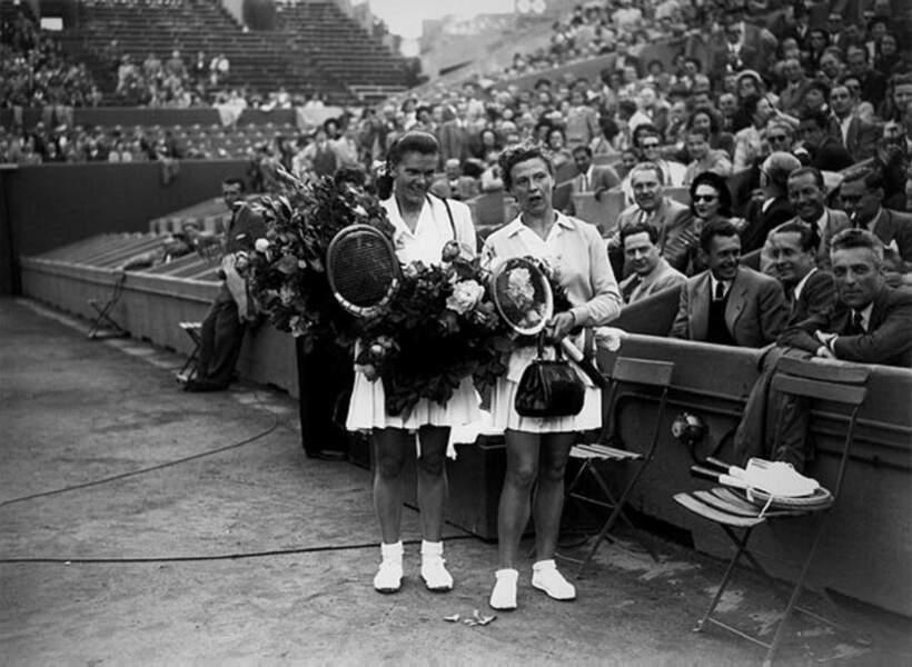 Nelly Landry Adamson (à droite) a remporté le titre en simple dames en 1948