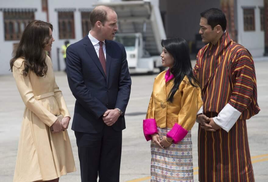 Kate et William sont accueillis par des émissaires locaux