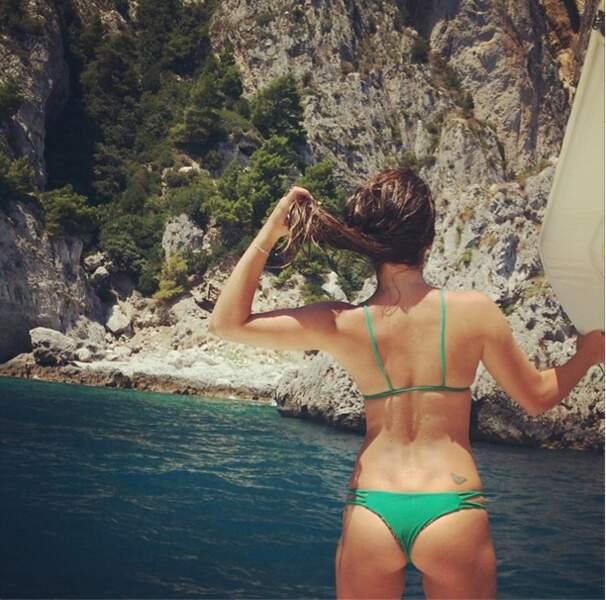 Il semblerait que Lea Michele aime beaucoup nous montrer ses bikinis ! A moins que ce ne soit pour la vue ?