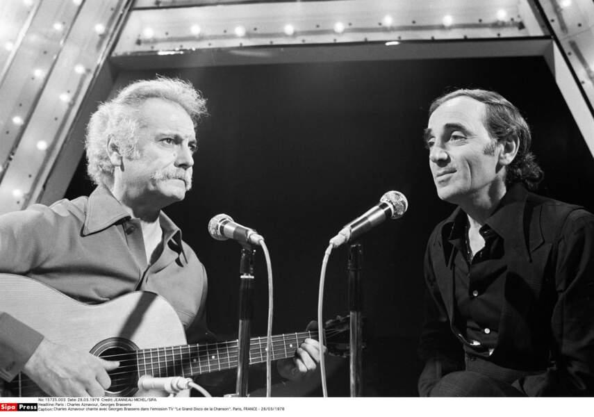 Charles Aznavour chante avec Georges Brassens dans Le Grand Disco de la chanson en 1976