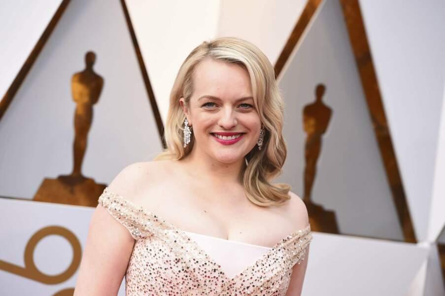 Grâce à The Handmaid's Tale, elle a remporté le Golden Globe et le Emmy Award de la meilleure actrice