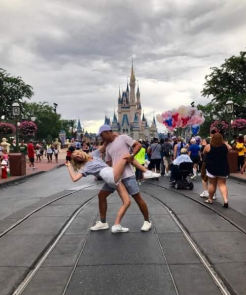 Et journée à Disneyland pour sa partenaire Candice Accola