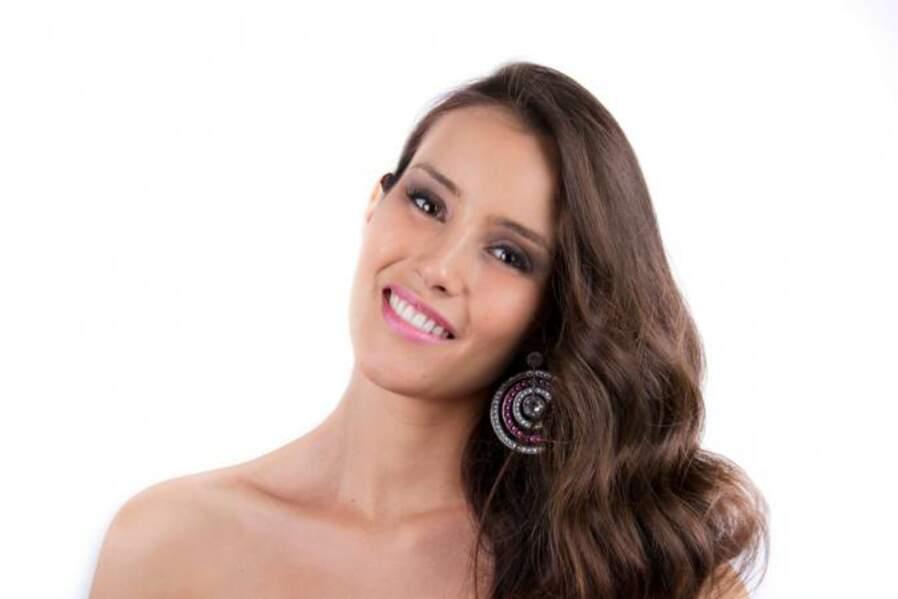 La belle Fernanda Sobarzo Aguiera représente le Chili