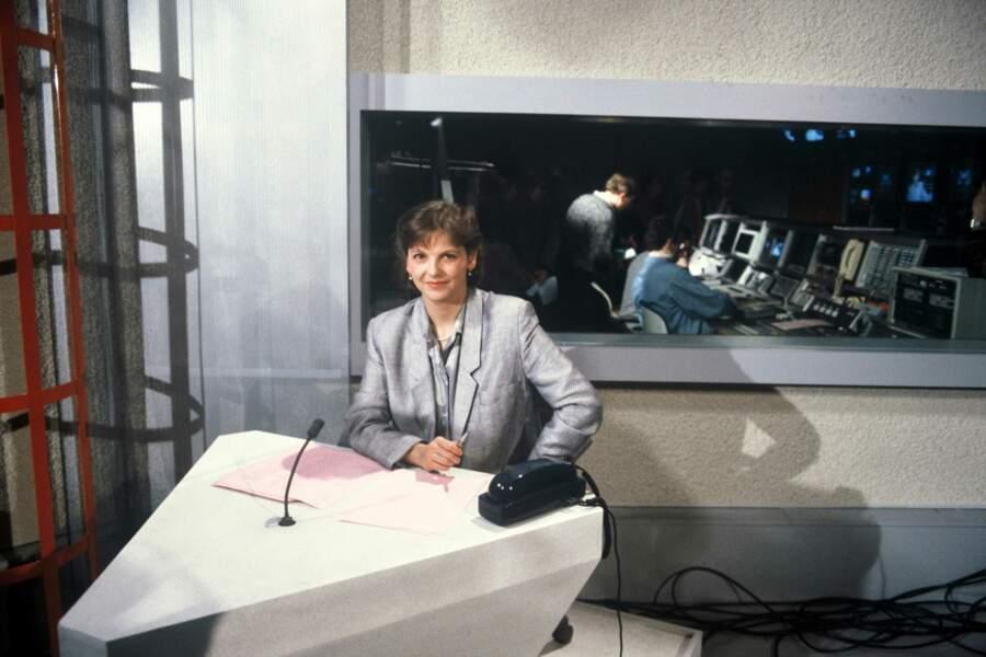 Marian Lacombe, présentatrice du tout premier JT de M6 de 19h30, en 1987
