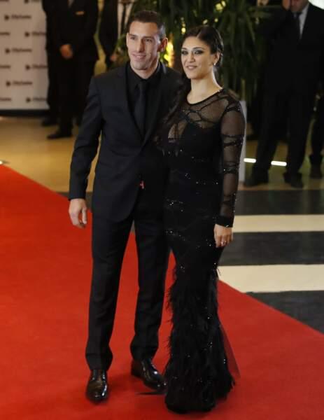 Natif de Rosario comme Lionel Messi, l'ex-international argentin Maxi Rodriguez est venu avec son épouse Gabriela