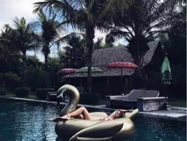 Caroline Receveur, Lea Michele, Clara Morgane... jamais sans leur bouée, l'accessoire sexy de l'été !