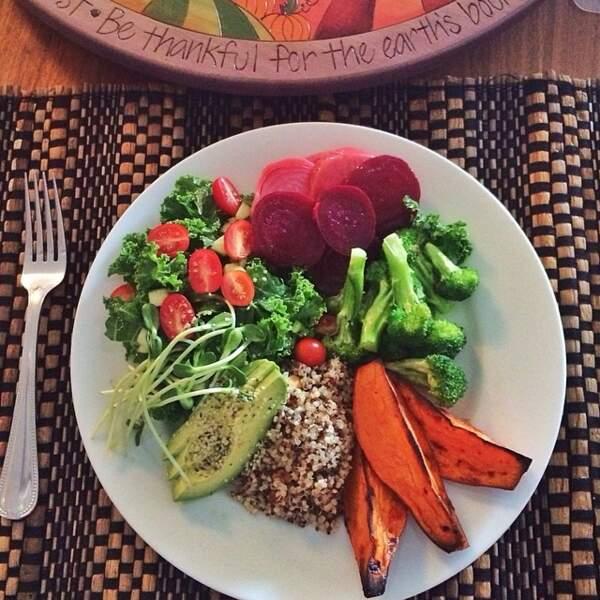 Et des plats avec beaucoup de légumes.
