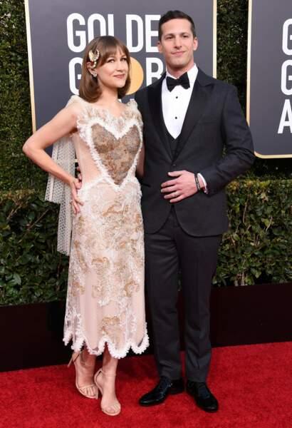 Son co-présentateur Andy Samberg était aussi de la partie (évidemment) et accompagné de Joanna Newsom