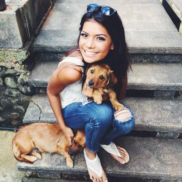 En plus, elle adore les chiens !