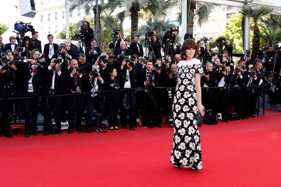 Milla Jovovich est-elle toujours à la recherche du Cinquième élément ? Peut-être en haut des marches...