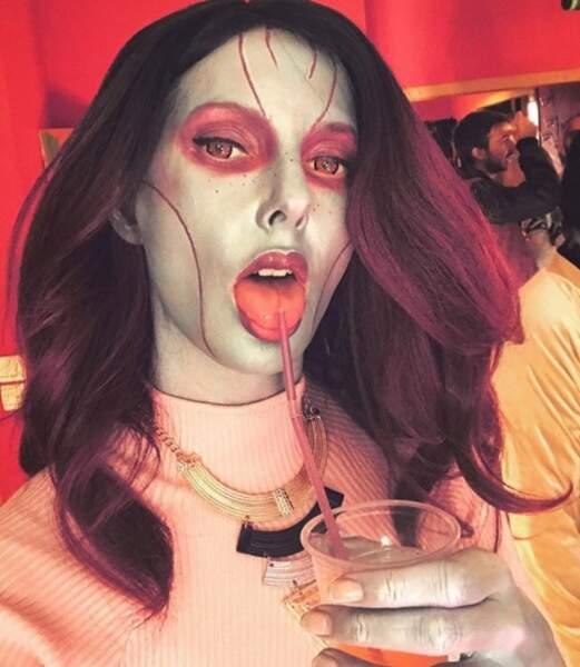 Le maquillage de Frédérique Bel pour son tournage avec le collectif Golden Moustache.