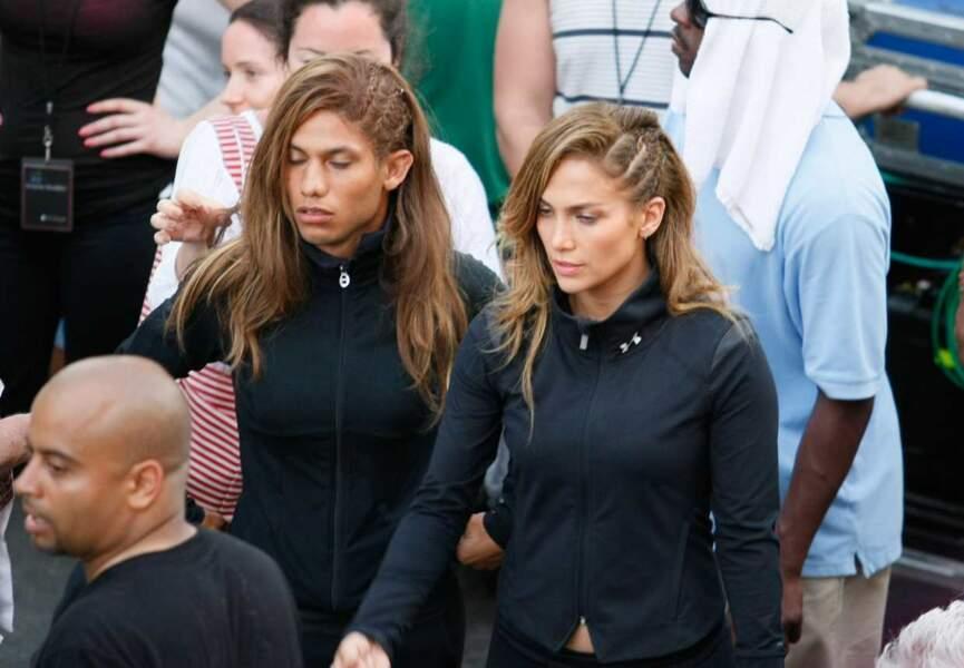 LA PALME D'OR du sosie raté revient à Jennifer Lopez et sa doublure... masculine à tresses ! Perle du LOL !