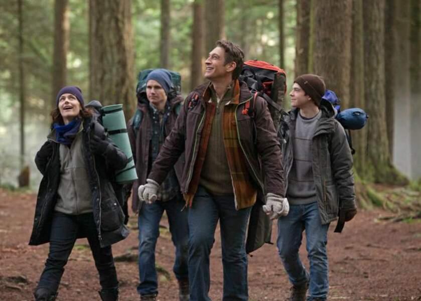 Ici (à gauche), on la retrouve dans la série The Tomorrow People (The CW)