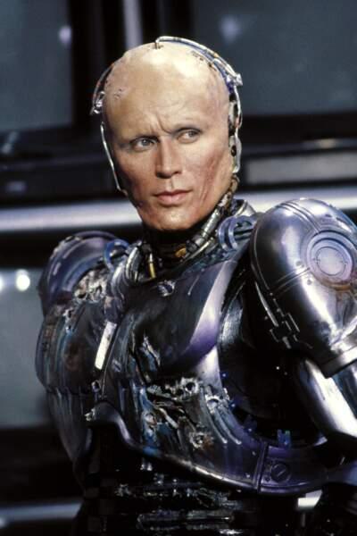 Dans le rôle d'Alex Murphy/Robocop, on retrouvait Peter Weller