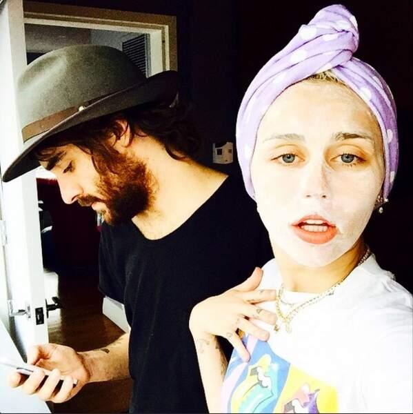 Sympa ce masque de beauté Miley !