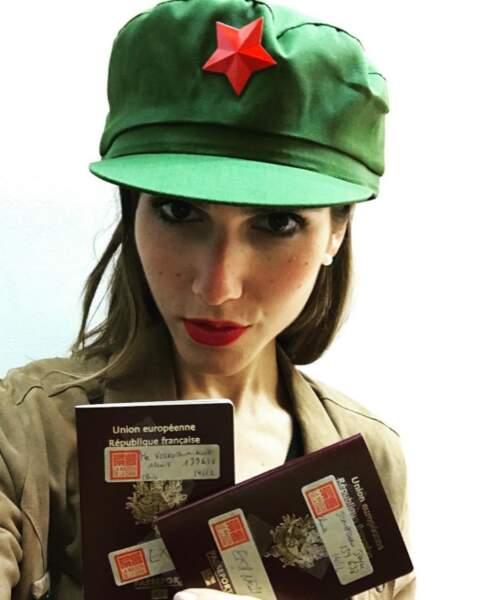 Joyce Jonathan a sorti la casquette de Mao pour célébrer l'obtention de ses visas pour la Chine.