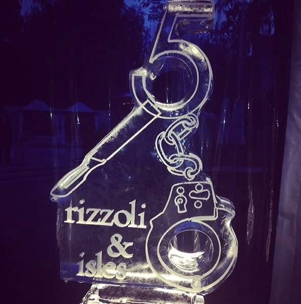 Statue en glace pour fêter la cinquième saison de Rizzoli & Isles