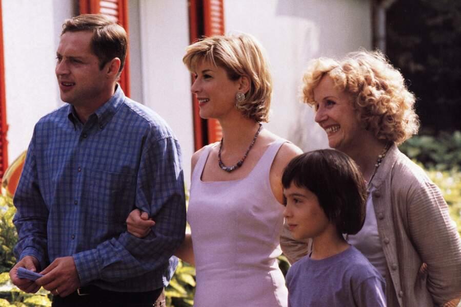 Maman d'un garçon se prenant pour une fille dans Ma vie en rose (1997)