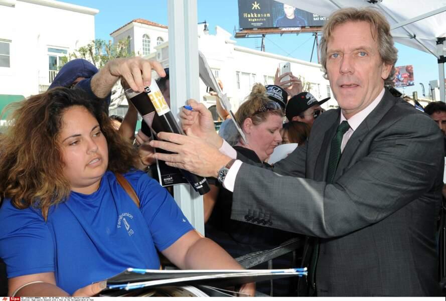 ...et des autographes pour ses nombreux fans présents