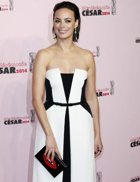 La belle Bérénice Bejo a opté pour une robe noire graphique du plus bel effet !