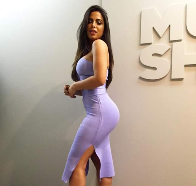 La plantureuse Anitta, chanteuse superstar au Brésil.