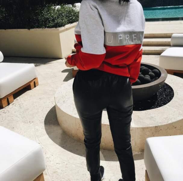Kylie Jenner nous a montré ses fesses.