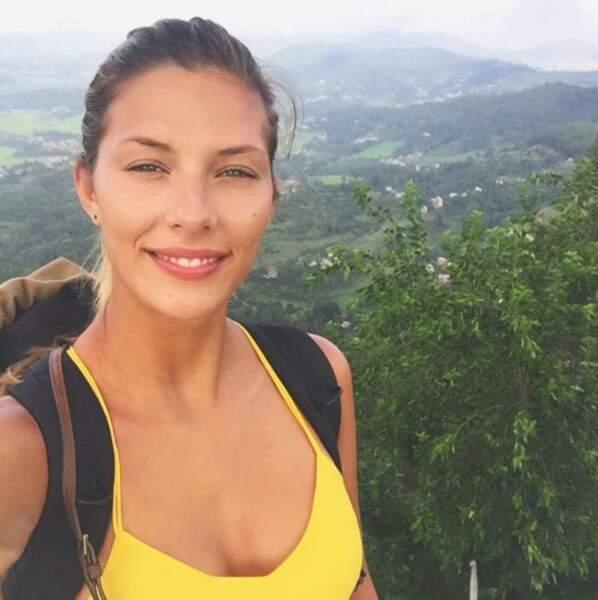 Leur consoeur Camille Cerf, elle, continue son trek au Népal.