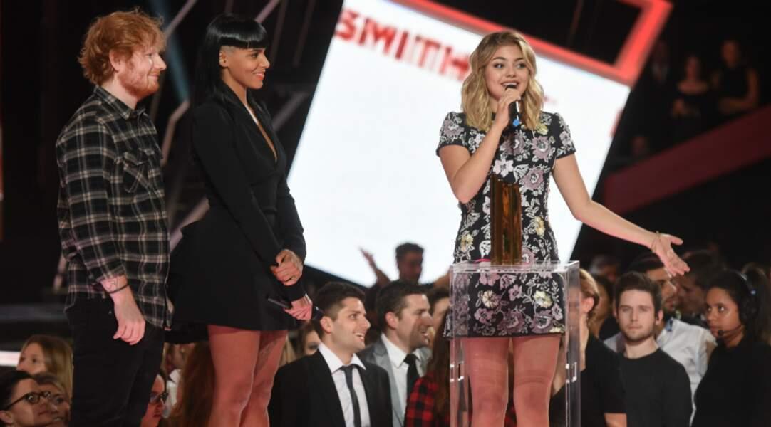 Louane a remporté la révélation de l'année 2015 aux NRJ Music Aawrds
