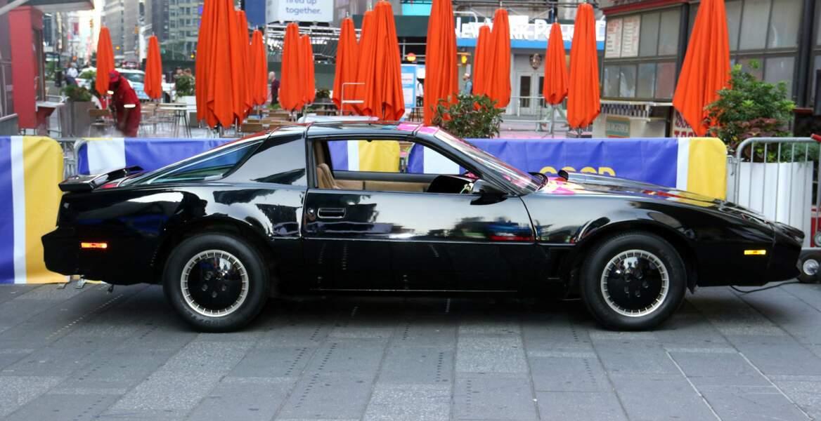 La Pontiac noire n'a pas pris une ride…