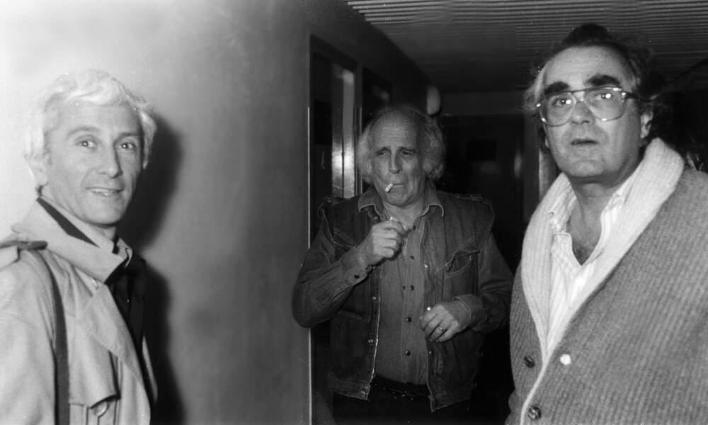 Marcel Amont, Léo Ferré et Michel Legrand après un spectacle en 1982