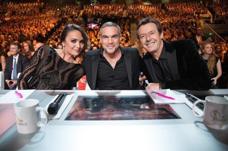 Vous avez vu l'écran intégré à la table, le jury regarde aussi Miss France à la télé
