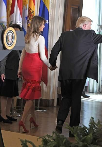Pour l'occasion, Melania Trump arborait une jupe rouge à volants un peu dans le style flamenco