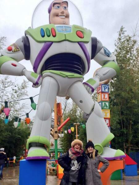 Ok, les hérios de la série Disney sont allés saluer le boss : Mickey