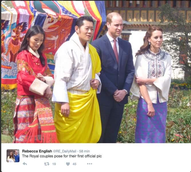 Puis ils sont reçus par le roi Jigme et la reine Jetsun