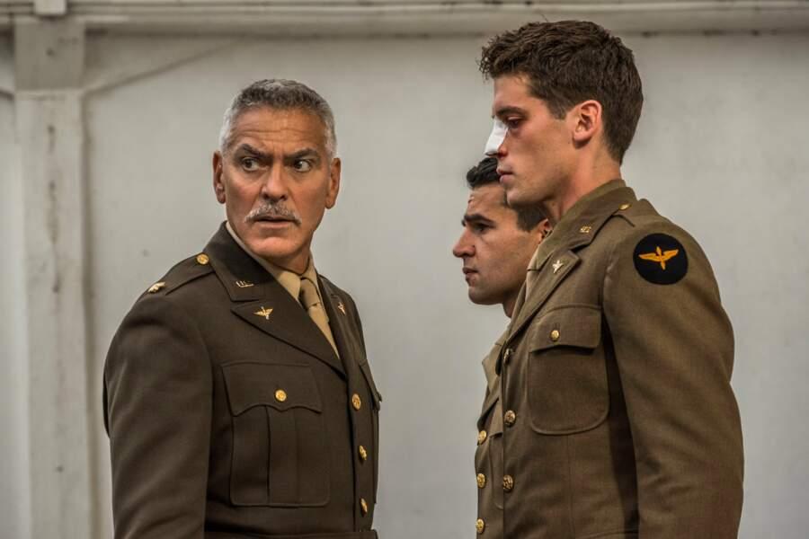 """""""Catch-22"""" (Canal+, saison 1) retrace la vie d'aviateurs lors de la seconde guerre mondiale en Italie."""