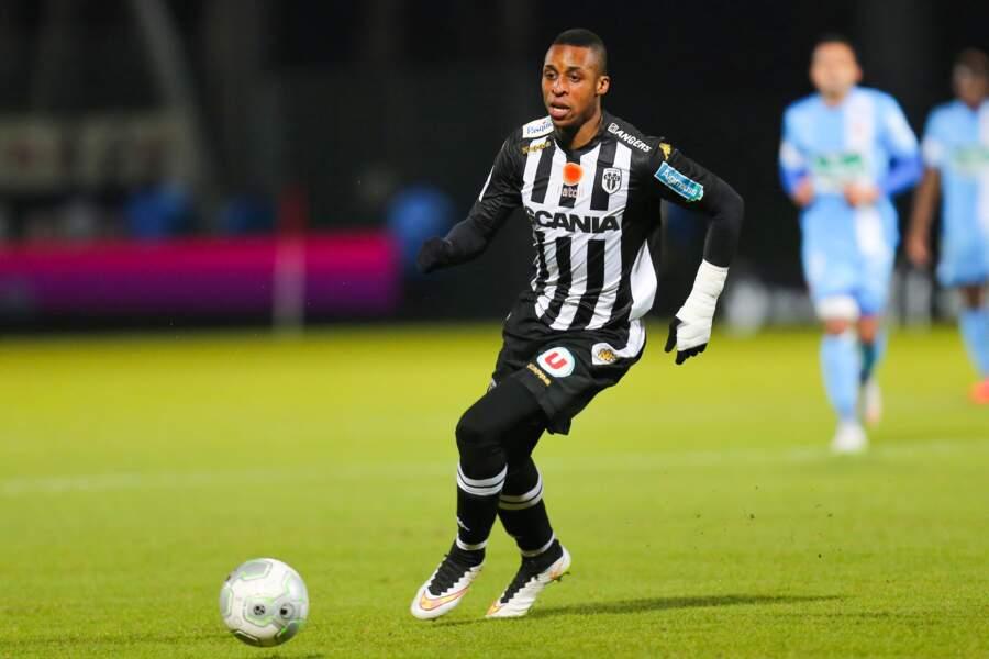 Jonathan Kodjia ne connaîtra pas la Ligue 1 avec Angers mais s'apprête à découvrir la D2 anglaise avec Bristol