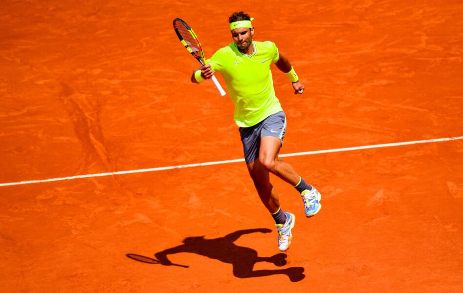 Avec sa tenue jaune fluo, impossible de perdre Rafael Nadal