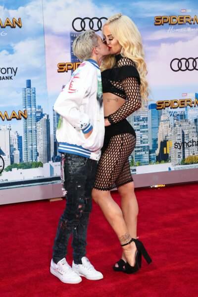 Et est venue avec sa petite-amie Nats Getty ! Love is love !
