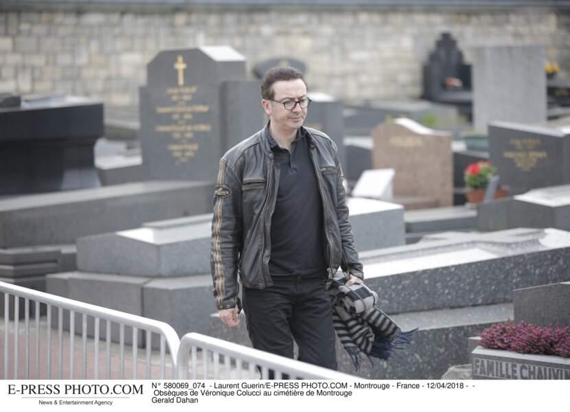 Gérald Dahan aux obsèques de Véronique Colucci au cimetière de Montrouge