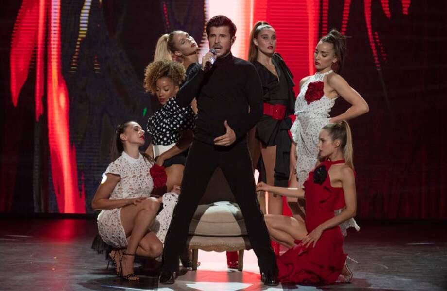 Vincent Niclo et ses danseuses