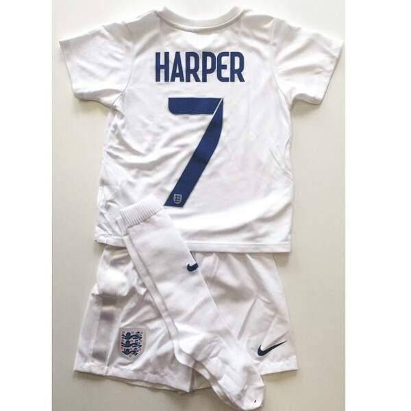 Tout comme David Beckham qui a reçu un maillot des internationales anglaises de football pour sa fille Harper.