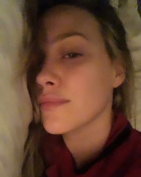 Au lit, Hilary Duff est…comme tout le monde !
