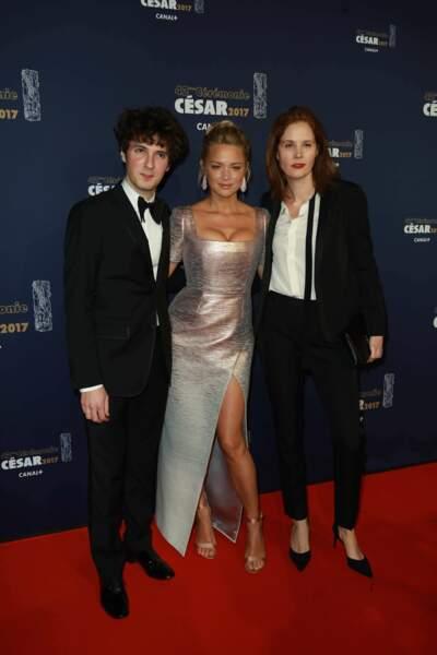 Vincent Lacoste, Virginie Efira et la réalisatrice Justine Triet, venus défendre le film Victoria