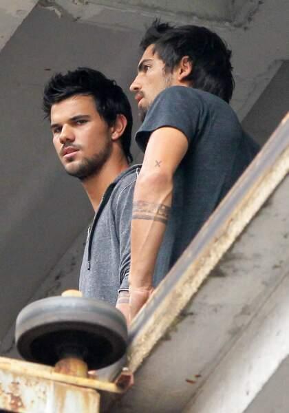 Son pote de la saga Twilight, Taylor Lautner, utilise aussi un acteur-doubleur